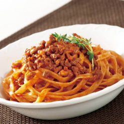 Fettuccine Bolognese (pasta with meat sauce)-B