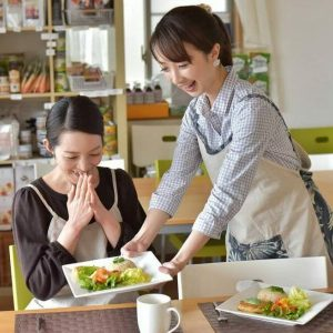 Macrobiotic Cooking School G-Veggie in Ginza serving